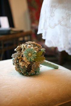 Brooch Bouquet. So pretty.