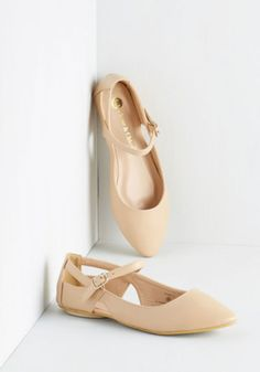ModCloth Vintage Inspired Pittsburgh Ease Flat in Tan