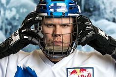 ★ Brilliant Blue ★ Red Bull Crashed Ice Suomen MM-osakilpailu. Katso suora lähetys Yle TV2 tänään klo 18.45. www.redbullcrashedice.com https://www.facebook.com/permalink.php?story_fbid=1388358364809752&id=100009068054021