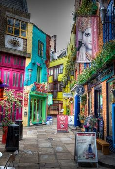 Neal's Yard - hidden square of wonder in Covent Garden #England