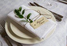 Рассадочная карточка с веточкой в эко стиле, свадьба в стиле рустик #организаторлучшихсвадеб #devinadesign #natadevina #натадевина #девинадизайн