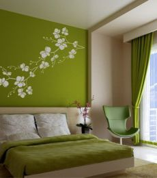 green bedroom - green wall with white flowers/branch stencil and green bedding. Im not a fan of green but my friend is and im sure she would love this room! Green Bedroom Design, Bedroom Green, Bedroom Colors, Home Bedroom, Bedroom Wall, Bedroom Decor, Green Bedding, Bedroom Ideas, Bed Room