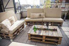 Raklap kültéri bútor kanapé és dohányzóasztal