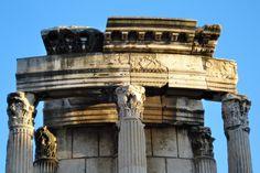 Roman Forum | Temple of Vesta, built in unknown old Kingdom era, prabably 7th century BC. Roman Forum, Roman Architecture, Ancient Romans, Roman Empire, Rome, Temple, History, Antiques, Building