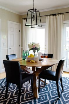 Actually buying a home is a big step. When Alexandra and Brad bought their own place in Boston, they decided it was finally time to call in a professional Homepolish designer.