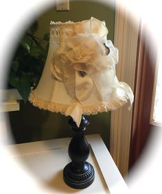 handmade / Cottage Chic / Shabby Chic / Romantic / lamp / table lamp / desk lamp / small lamp / ivory / brown / ivory shade / lace