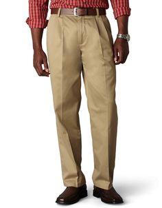7afdfba4e2 Dockers Men s Signature Khaki D3 Classic Fit Pleated Pant