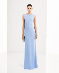 Vestido de sarga y pedreria disponible en, azul, verde y cobalto.