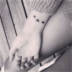 Pretty Small Tattoo Designs for Girls8