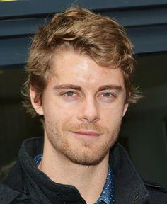 Luke Mitchell, né le 17 avril 1985 à Gold Coast en Australie, est un acteur australien.