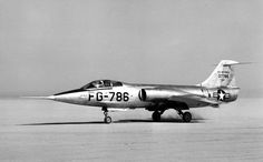 Air Force XF-104 Starfighter S/N 37786, Buzz Number FG-786, landing