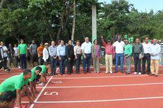 Inauguran pista de atletismo complejo deportivo S.F.M