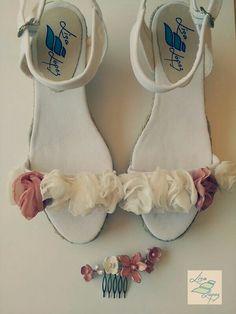 Conjunto de sandalias a juego con la peineta de flores de porcelana. Puedes elegir los colores! Visita www.lisalopez.es y ¡encarga las tuyas!