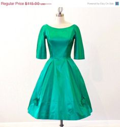 SALE 1950s Dress 50s Dress Emerald Green Holiday by daisyandstella, $97.75