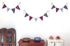 "Home sweet home. Crochet party flags by SILAYAYA. Banderines con mensaje, ""Hogar dulce hogar"""
