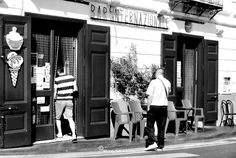 Bar Internazionale, una storia antica quanto il mondo