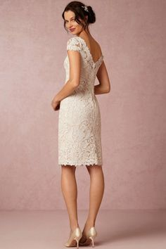 A-line Scoop Short/Mini Lace Fabric Vintage Bridesmaid Dresses UK With Hallow Out Style br50643