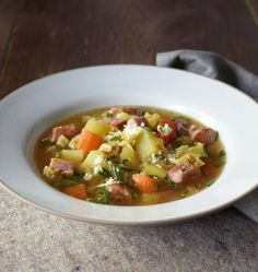 Potato and savoy stew recipe - Potato and savoy stew recipe – [EAT AND DRINK] - Potato Recipes, Soup Recipes, Mutton Meat, Benefits Of Potatoes, Cooking Dishes, Potato Juice, Different Recipes, Winter Food, Vegetable Dishes