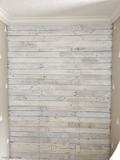 DIY: White Washed Pallet Wall. This would look great in my entry