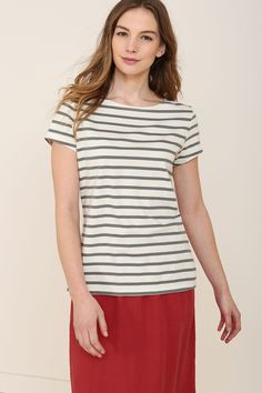 Short-sleeved sister to the famous Seasalt Sailor Shirt. Made from pure organic cotton, with a stylish boat neck, cap sleeves and Breton stripes.