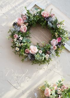 Wreaths And Garlands, Door Wreaths, Flower Decorations, Christmas Decorations, Sympathy Flowers, Funeral Flowers, Diy Wreath, How To Make Wreaths, Flower Crown