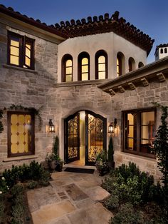 Entry Courtyard, Mediterranean home