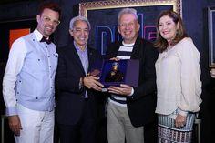 Jean Paul Gautier y Agatha Ruiz de la Prada se llevan valioso objeto dominicano