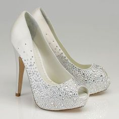 Sparkly wedding shoes #pumps #wedding #heels #platforms #bride #shoes #sparkle #glitter #bling