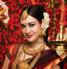 Jewellery Designs: Huge Temple Jewellery Sets