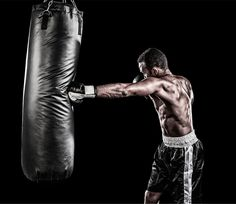 5 savagely-hard boxing workouts that'll get you in fighting shape For your boxing, muay thai, or MMA Boxing Classes, Boxing Gym, Boxing Training, Boxing Workout, Mma Workout, Workout Guide, Workout Routines, Jiu Jitsu, Heavy Bag Workout