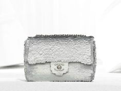 Chanel flap bag embroidered with sequins (Spring-Summer Chanel Purse, Chanel Handbags, Style Pantry, Embroidered Bag, Chanel Spring, Classy And Fabulous, Beautiful Bags, Evening Bags, Style Guides