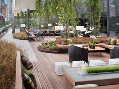 From Bocce to Dog Spas, NYC Rentals With Outrageous Perks If you're a New York City rental building these days, a mere communal terrace and one-room gym just won't cut it. To charge the kinds of extravagant rents that are de rigueur, there have to be. Decoration Restaurant, Deco Restaurant, Outdoor Restaurant, Rooftop Terrace Design, Rooftop Lounge, Terrace Garden, Rooftop Decor, Rooftop Bar, Lounge Design