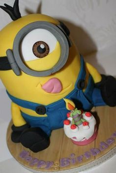 My 10 year old nephew loves Despicable Me and the Minions. His request for cake was a Minion! So I decide to get some ideas before starting my creation . Minion Torte, Bolo Minion, Minion Cakes, Fondant Minions, Fancy Cakes, Cute Cakes, Pastel Minion, Despicable Me Cake, Minion Birthday