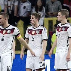 Die Nationalmannschaft: Erik Durm und Matthias Ginter  #erikdurm #durm #15 #welmeister #deutschland #nationalspieler #mannschaft #cute #ginter #matze