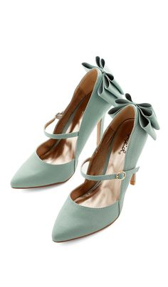 Mint bow heels ... cute for the vintage bride