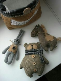 handmade toys 41 Ideas Sewing Projects T - handmade Sewing Toys, Sewing Crafts, Sewing Projects, Diy Projects, Fabric Animals, Felt Animals, Felt Crafts, Kids Crafts, Fabric Crafts