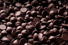 7 At-Work Power Foods - The Best Fare to Fuel Your Workday: It's that time of day and you're zoning out. Lethargy kicks in, your eyes glaze over and your head is dangerously close to the keyboard. You've hit the midday slump. But you're not alone in this crash. People often begin craving coffee or snacks from the vending machine at around 2 or 3 p.m.