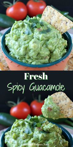 Fresh Spicy Guacamole is made with healthy ingredients. This is a delicious guacamole recipe everyone loves. Quick Guacamole Recipe, Authentic Guacamole Recipe, Avocado Guacamole, Homemade Guacamole, Avocado Recipes, Yummy Treats, Yummy Food, Incredible Recipes, Game Day Food