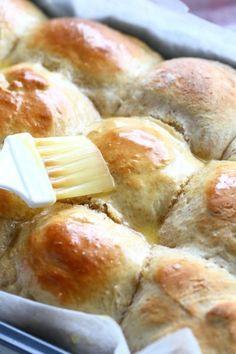 Pehmeät ja muhkeat sämpylät ilman vaivaamista - Suklaapossu Pretzel Bites, Bakery, Bread, Cooking, Recipes, Food, Drinks, Kitchen, Drinking