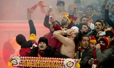 Schalke's sporting director Horst Heldt has confirmed that a group of ticketless Galatasaray fans were caught trying to burrow into their stadium using their bare hands ahead of Tuesday's Champions League match.