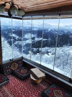 Hold on, I just fell in love with Trabzon, Turkey - Places. Trabzon Turkey, Beautiful Homes, Beautiful Places, Glass Balcony, Balkon Design, Belle Villa, Cozy Place, Deco Design, Dream Rooms