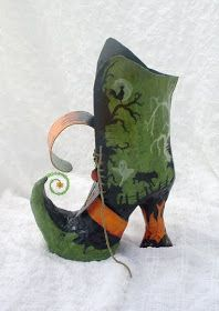 All Things Crafty: Papier Mache Halloween Witch Boot