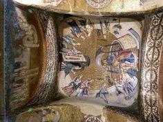 Mosaicos con escenas de la vida de la Virgen en el esonártex de San Salvador de Chora. Los mosaicos de esta época son calificados como demasiado artificiosos, por lo forzadas de algunas posturas y gestos así como por la profusión de detalles y elementos arquitectónicos irreales que le dan aspecto teatral