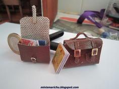 COMO HACER CARTERAS PARA LA ESCUELA           Materiales necesarios:   - Cuero  - Hebillas de distintas formas  - Pegamento de zapatero    ...