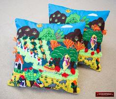 """Funda Cojines Artesanales 40x40cm (Par) - Aplicaciones bordadas de recortes de tela cosidos a mano a un fondo de algodón """"Llamas Andinas"""" by DECORCONTRERAS on Etsy"""