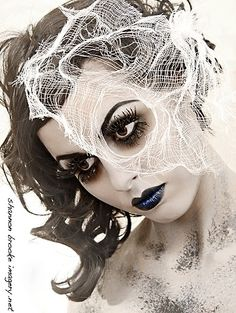 Web veil - another Halloween idea for KL Love this, morbid but beautiful!!