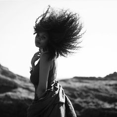 Natural hair Rules! - naturalobs3ssion:   Dream. Pause. Flower power....