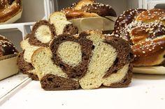 Schoko-Butterkuchen – HOMEBAKING BLOG Kakao, Bread, Food, Sliced Almonds, Bakeware, Food Food, Bakken, Recipies, Brot