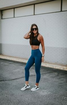 Weekly workout routine: staple sports bra a southern drawl Sport Style, Sport Chic, Sport Girl, Sport Sport, Outfit Jeans, Sport Fashion, Look Fashion, Fashion Edgy, Girl Fashion
