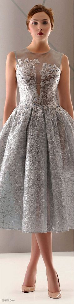 -Antonios Couture Spring-summer 2016 Antonios Couture Spring-summer 2016 See it Elegant Dresses, Pretty Dresses, Beautiful Gowns, Beautiful Outfits, Couture Dresses, Fashion Dresses, Short Dresses, Prom Dresses, Beauty And Fashion